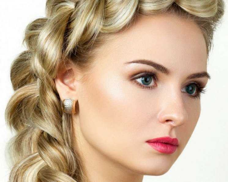 Сделать красивый макияж для блондинок