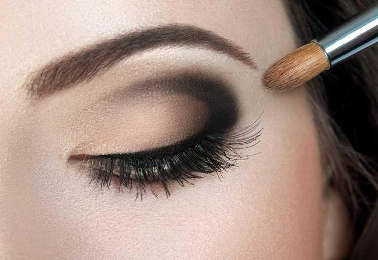 О макияже для светлых глаз и светлых волос: вечерний и дневной пошагово